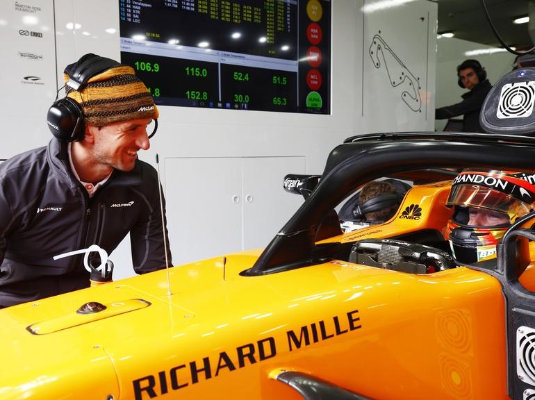 Performance Coach Elliot Challifour trains McLaren F1 Driver Stoffel Vandoorne