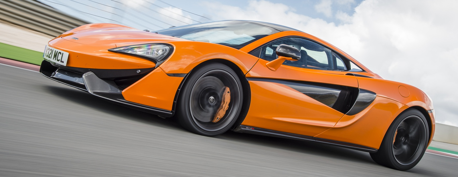 HOW McLAREN APPLIED IS PUTTING 5G CONNECTIVITY TO THE ULTIMATE TEST