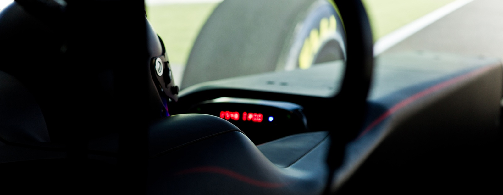 7 TIPS TO TURN YOU FROM WORLD'S FASTEST GAMER CONTESTANT TO McLAREN SIM DRIVER