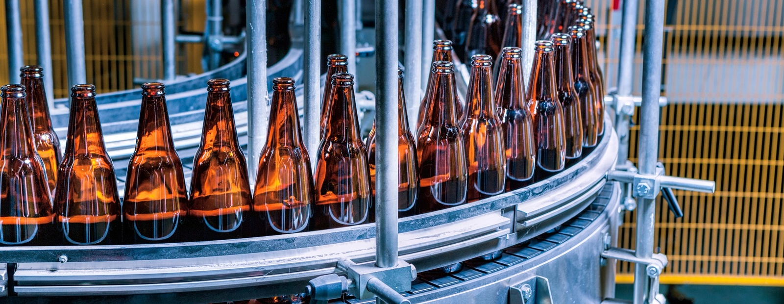 HOW McLAREN AND DELOITTE DRIVE EFFICIENCIES AND REDUCE COSTS FOR MANUFACTURERS