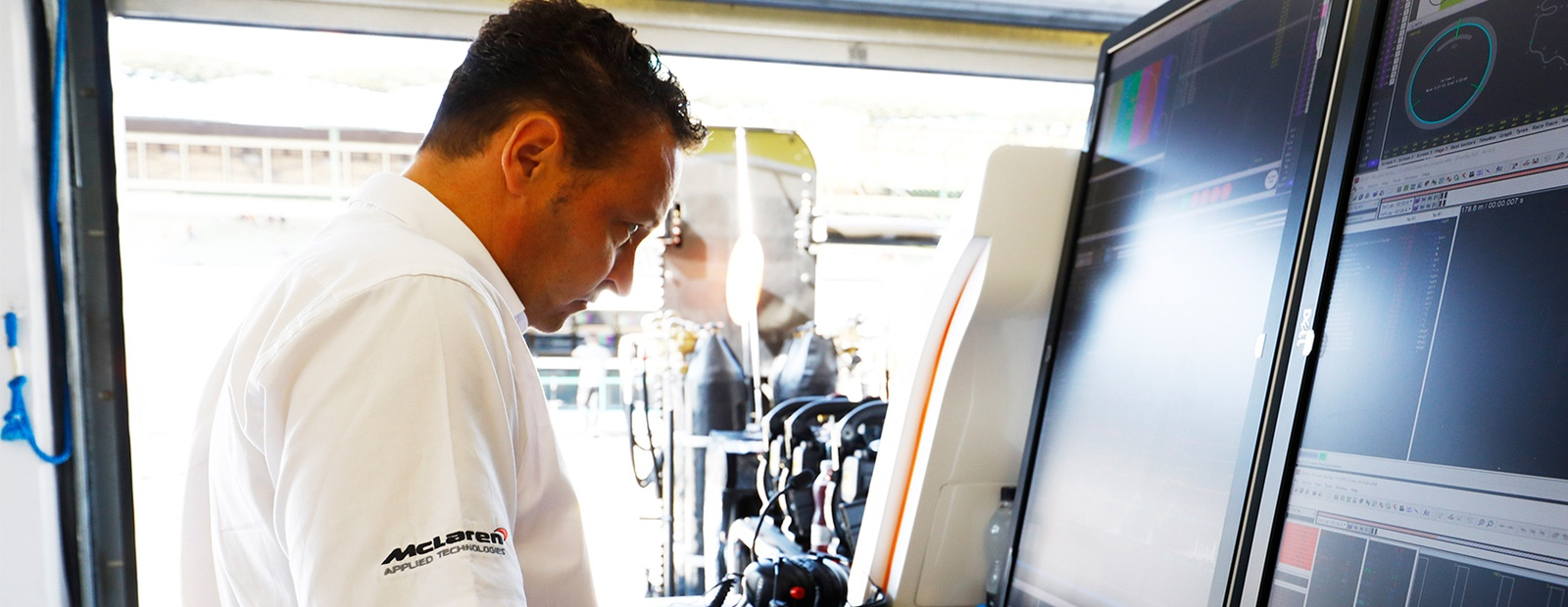 McLAREN INTRODUCES NEW DATA VIEWER AT F1 TEST